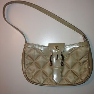 Beautiful quilted Burberry beige purse.